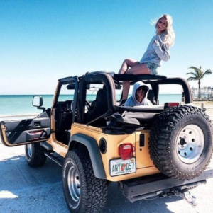 JEEPING ON THE BEACH